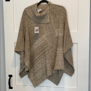 Northern Reflections Poncho / Shawl. Size S/M.